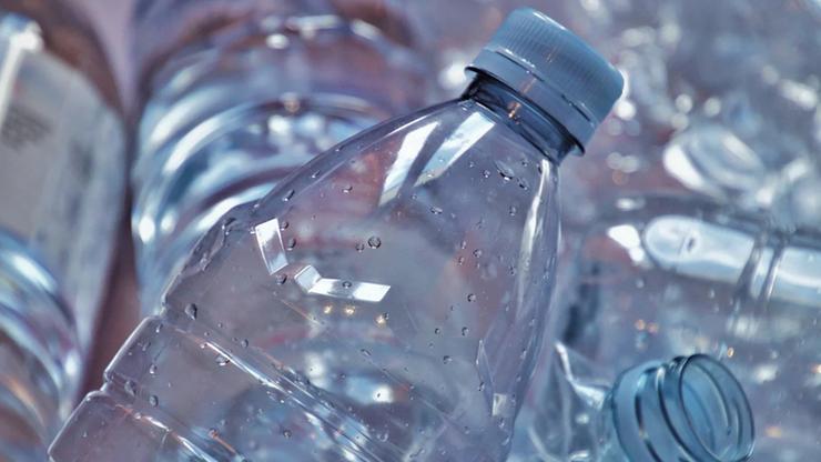 Wchodzi nowy podatek. Produkty w plastiku mogą być droższe