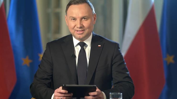 """Informacje ws. małego ruchu granicznego """"w najbliższych dniach"""". Prezydent odpowiada na pytania"""